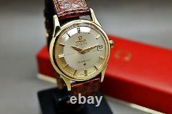 Omega Constellation Chronometer, Pie Pan, solid gold 18k ref 14393 cal 561, 1961