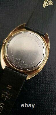 Vintage Swiss Bulova Automatic Whale Pie Pan Date Dial, New Band Just $erviced